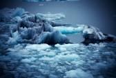17341361-iceberg-and-ice-at-jokulsarlon-lake